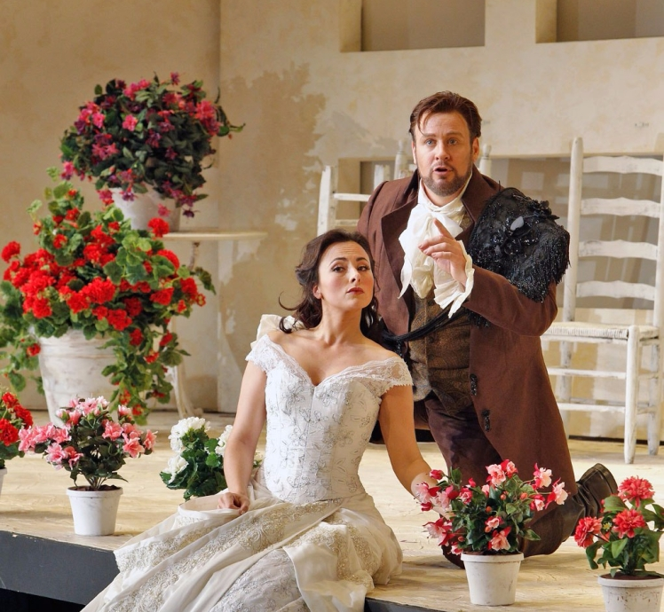 What's So Hard About Singing Opera? – The Baritone Blog
